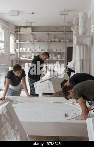 La Croatie, Kvarner, île de Brac, Supetar village, Klesarska skola stonemasonry school Banque D'Images
