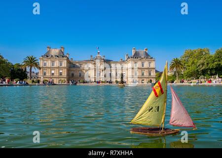 France Paris Palais Du Luxembourg Abritant Le Senat Les