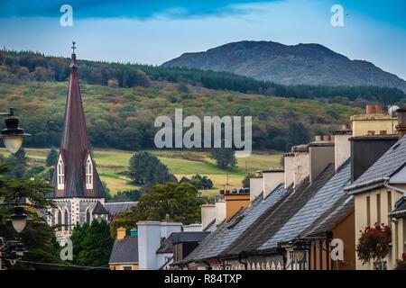 La charmante petite ville de Kenmare (le petit nid), sur l'anneau de Kerry et l'anneau de Beara, dans le sud du comté de Kerry, Irlande.