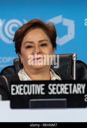 Katowice, Pologne. Le 15 décembre, 2018. Patricia Espinosa, chef de l'ONU sur le climat, des sourires en séance plénière lors du sommet climatique. L'objectif de cet accord est de limiter le réchauffement à deux degrés bien au-dessous. Credit: Monika Skolimowska/dpa-Zentralbild/dpa/Alamy Live News Banque D'Images
