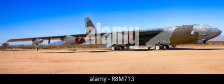 Boeing B52G Stratofortress avion bombardier stratégique à l'affiche au Pima Air & Space Museum à Tucson, AZ