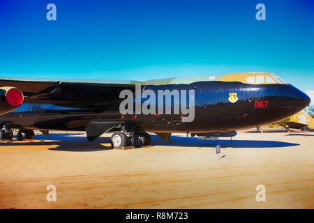 Boeing B52D Stratofortress avion bombardier stratégique à l'affiche au Pima Air & Space Museum à Tucson, AZ