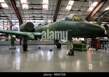 US Air Force République Fairchild A-10 Thunderbolt II avion de chasse à l'affiche au Pima Air & Space Museum à Tucson, AZ