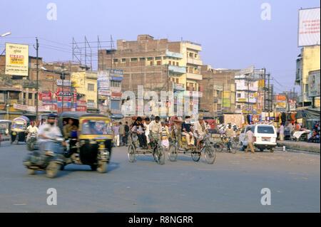Bondée et construit la gare ferroviaire, Patna, Bihar, Inde Banque D'Images