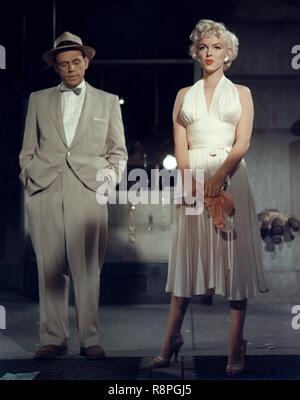 Tom Ewell, Marilyn Monroe, 'Les sept an Itch' (1955) 20th Century Fox de référence de dossier 33635_582THA Banque D'Images