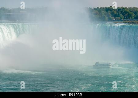 Voile et Horseshoe Falls Chutes du Niagara - Ontario, Canada Banque D'Images