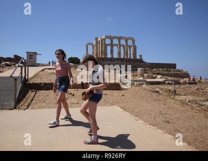 Attica Grèce Cap Sounion Sœurs par Temple de Poséidon Banque D'Images