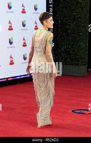 Las Vegas, NV, USA. 15 Nov, 2018. LAS VEGAS - 15 novembre: Halsey à la 19e GRAMMY Awards d'Amérique latine - les arrivées au MGM Garden Arena le 15 novembre 2018 à Las Vegas, NV Crédit: Kay Blake/ZUMA/Alamy Fil Live News