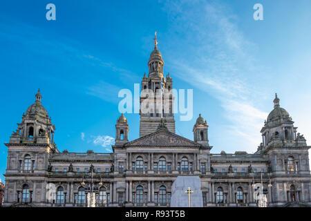 Glasgow, Scotland, UK - 14 décembre 2018: La magnifique ville de Glasgow à George Square par un beau jour de décembre. Banque D'Images