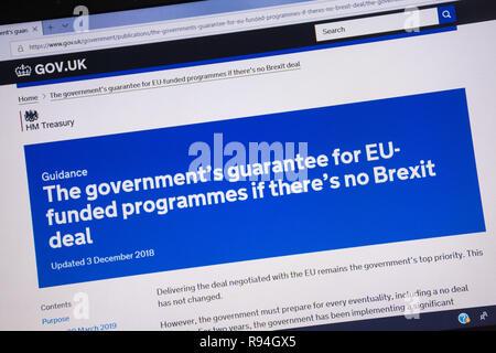 Capture d'écran de l'ordinateur de la gov.uk site montrant la garantie du gouvernement pour des programmes financés par l'UE s'il n'y a pas beaucoup Brexit Banque D'Images