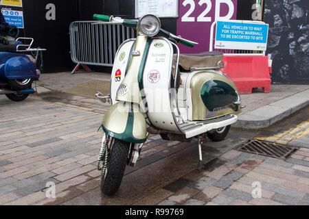 Londres, Angleterre - le 28 avril 2018. Lambretta Scooter à l'assemblée annuelle et exposition de voitures classiques du marché de vêtements vintage à Kings Cross, Londres, Angleterre, Banque D'Images