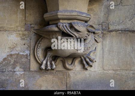Londres, Angleterre - le 15 juillet 2018. Gargouille sculptée sur l'un des murs extérieurs de l'abbaye de Westminster, fondée par des moines bénédictins à 960AD, Westminster