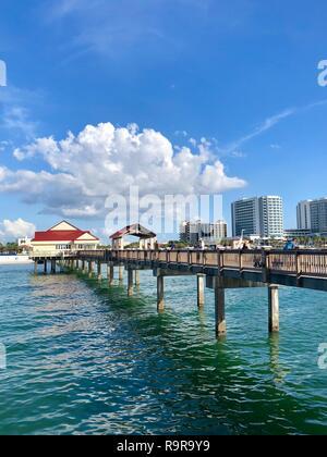 Après-midi promenade sur Pier 60 sur la plage de Clearwater