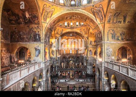 Les fresques sur les murs du temple à Venise. L'art de mur Banque D'Images