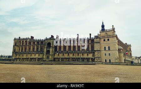 Détail façade du bâtiment de l'architecture du château de Saint Germain en Lay, résidence des rois de France, est devenu l'Archéologie Nationale Mu Banque D'Images