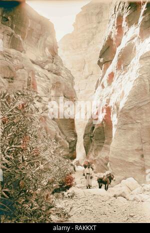 Petra, Sik entrée. 1898, Jordanie, Petra (éteint). Repensé par Gibon. L'art classique avec une touche moderne repensé Banque D'Images