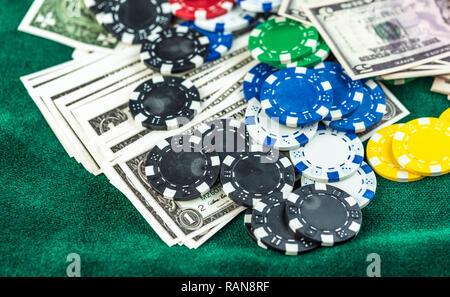 Cartes de poker Jetons de jeu et dés Photo Concept