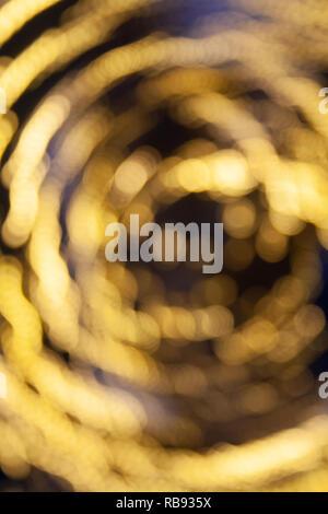 Résumé fond flou jaune lumineux, vortex, rêve, magie