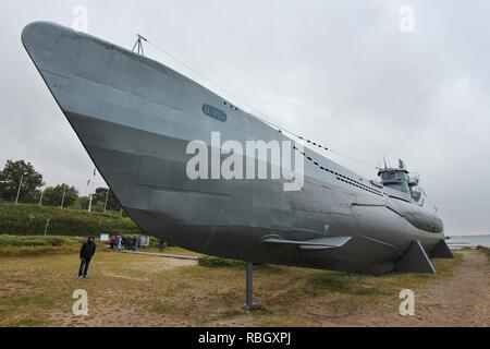 LABOE, ALLEMAGNE - le 30 août 2014: visite des gens sous-marin allemand U-995 (musée) à Laboe. Il est le seul sous-marin type VII dans le monde Banque D'Images