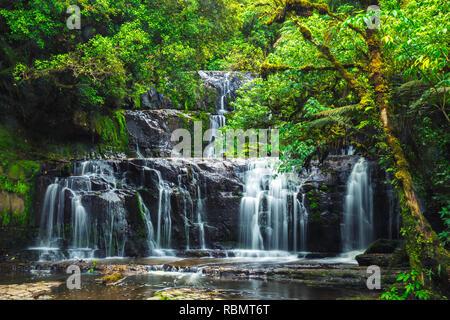 Purakaunui falls Catlins à Forest National Park, South Island, New Zealand