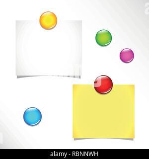 Deux notes autocollantes vierges et colorés des punaises sur un tableau d'illustration vecteur EPS10 Banque D'Images