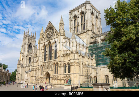 Transept sud entrée, York Minster, Deangate, York, North Yorkshire, Angleterre, Royaume-Uni