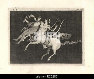 """Peinture enlevée d'un mur d'une pièce, peut-être un triclinium ou salle à manger, dans une maison de Pompéi en 1749. Centauress portant un jeune homme, jouant de la lyre d'une main et de cymbales s'entrechoquent avec les autres. Gravée sur cuivre par Tommaso Piroli à partir de son propre 'Antichita di Ercolano"""" (antiquités d'Herculanum), Rome, 1789. L'artiste italien et graveur Piroli (1752-1824) a publié six volumes entre 1789 et 1807 documentation les peintures murales et des bronzes trouvés dans Heraculaneum et Pompéi."""