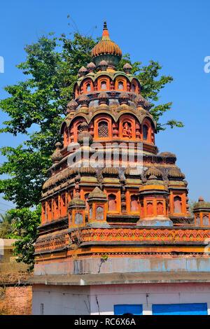Coloré Shri RAM Mandir, près de Dakshin Kashi Shiv Mandir, Mahuli Sangam, Satara, Maharashtra, Inde