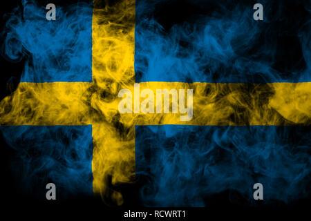 Drapeau national de la Suède de la fumée de couleur noire sur une base isolée Banque D'Images