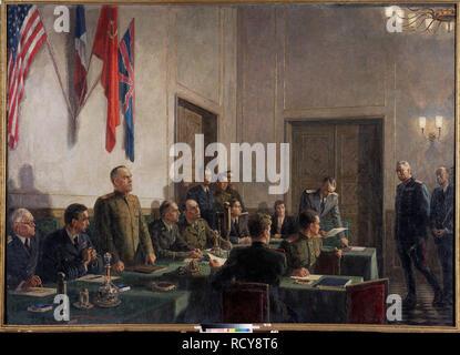 Le maréchal Joukov lisant la capitulation allemande le Mai 08, 1945. Musée: Regional Art Gallery, Tchelyabinsk. Auteur: Kukryniksy (Groupe d'Art). Copyright: Cette oeuvre n'est pas dans le domaine public. Il est de votre responsabilité d'obtenir toutes les autorisations de tiers les droits d'auteur dans votre pays avant publication. Banque D'Images