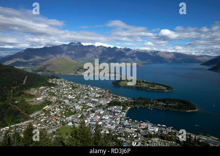 Aerial cityscape, Queenstown, île du Sud, Nouvelle-Zélande Banque D'Images