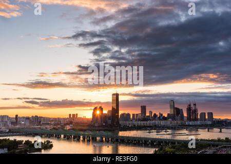 Coucher du soleil dans la ville de Séoul Banque D'Images