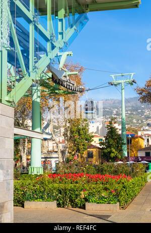 Madère Funchal voiture câble reliant la vieille ville zona velha à Funchal et Monte jusqu'à la montagne Fuchal zona velha Madère Portugal Europe de l'UE Banque D'Images