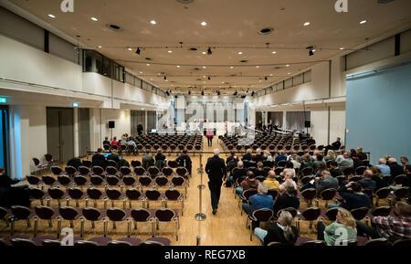 Oldenburg, Allemagne. 22 janvier, 2019. Une vue de l'audience où le procès contre le meurtrier patient Niels Högel a lieu. Credit: Mohssen Assanimoghaddam/dpa/Alamy Live News Banque D'Images