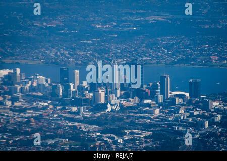 Le centre-ville de Perth en Australie de l'ouest vu de la position en vol Banque D'Images