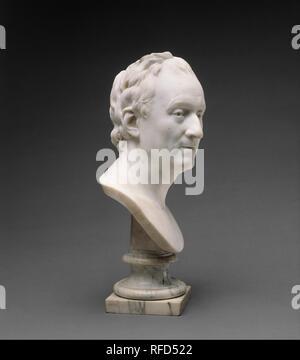 Denis Diderot (1713-1784). Artiste: Jean Antoine Houdon (Français, Versailles 1741-1828 Paris). Culture: français, Paris. Dimensions: Hauteur (buste): 15 3/4 po. (40 cm); Hauteur (stand): 4 11/16 in. (11,9 cm). Date: 1773. Un philosophe et homme de lettres, et l'un des représentants de renommée internationale les Français des lumières, Denis Diderot est mieux connu pour l'encyclopédie en plusieurs volumes qu'il a compilé et ) avec Jean Le Rond d'Alembert (1717-1783) entre 1751 et 1772. Dans l'entrée pour peint des portraits, l'Encyclopédie Diderot affirme que le principal mérite du genre est de rendre t Banque D'Images