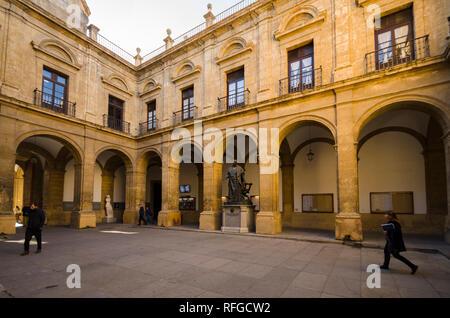 Espagne Séville, cour d'honneur de l'Université de Séville, Andalousie, espagne. Banque D'Images