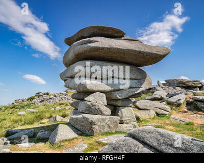 3 Juillet 2018: Bodmin Moor, Cornwall, UK - l'un célèbre Cheesewring granit tor sur Stowe's Hill.