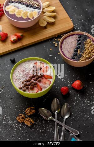 Servi homemeade milkshake au café Banque D'Images
