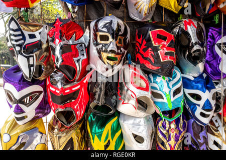 Les masques de catch Lucha Libre à la vente dans la ville de Mexico Banque D'Images