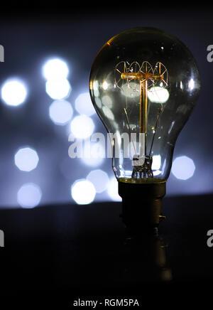 La lampe antique avec fond bokh Banque D'Images