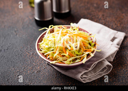 Coleslaw au chou, salade traditionnelle américaine Banque D'Images