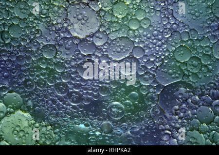 Du plaisir avec la macro photographie de l'huile et l'eau Banque D'Images