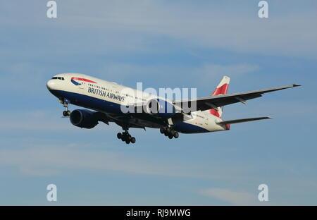 British Airways Boeing 777 avions de passagers, reg. non G-YMME. Banque D'Images