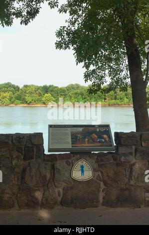 L'Arkansas River, original fin du sentier des larmes, Lieu historique national de Fort Smith, Arkansas. Photographie numérique Banque D'Images