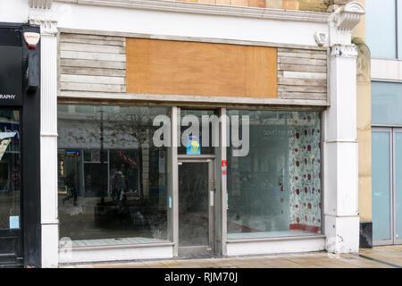 Une boutique vide à Bromley High Street, Londres du sud. Banque D'Images
