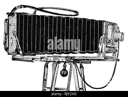 Vintage ancienne plaque photographique appareil photo - cela a été fait par Thornton Pickard qui étaient établis en 1888. Il est décrit comme un long champ Poste Appareil photo. Banque D'Images