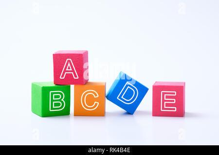 ABC cubes alphabet pour l'éducation des jeunes enfants concept Banque D'Images