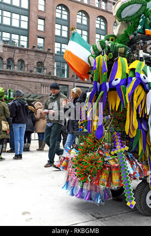 Le jour de la Saint Patrick fête dans le centre-ville de Cleveland, Ohio, USA est l'un des plus importants aux États-Unis.