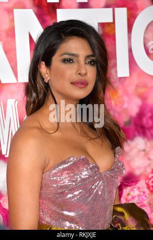 """Los Angeles, USA. Feb 11, 2019. LOS ANGELES, CA. 11 février 2019: Priyanka Chopra à la première de 'n'est ce pas romantique"""" au théâtre à l'hôtel. Photo Credit: Paul Smith/Alamy Live News"""